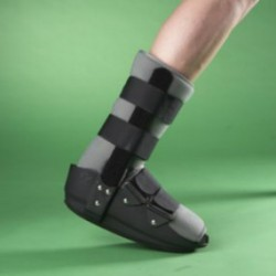 Soporte corto fijo de tobillo